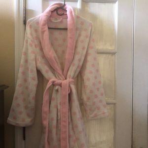 Pink white rob